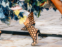Spring-2015-fashion-week-street-style-Gianvito-Rossi